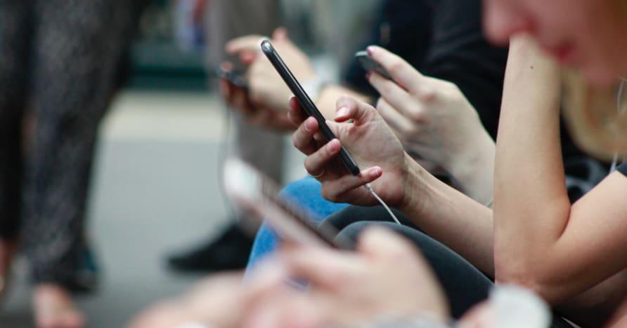 Sätt att förbättra telefonens batteritid för spel